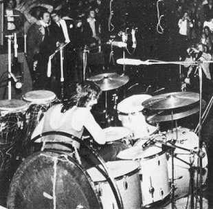 Bonham_playing_natal_congas_2
